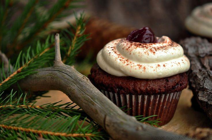 Voyage au pays de la patisserie: Cupcakes Forêt noire - Black forest cupcakes