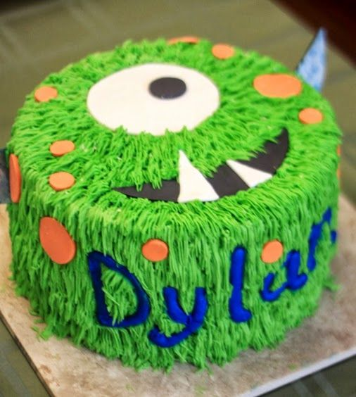Hairy Monster Cake - love the teeth!  Lynzee wants a monster cake for her birthday :)