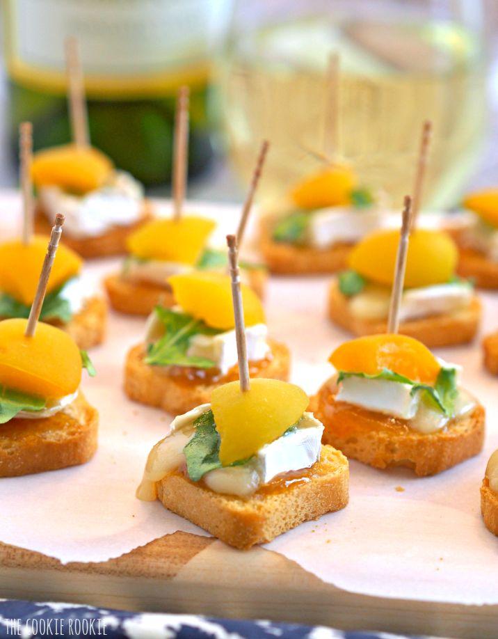 Mini Baked Apricot & Brie mordidas.  Estes são o partido perfeito ou bagageira aperitivo!  - The Cookie Rookie