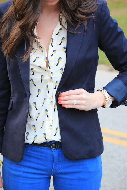 I seriously love everything about this ensemble. From the blue bird blouse to the neon pants to the blazer, it's all magical!