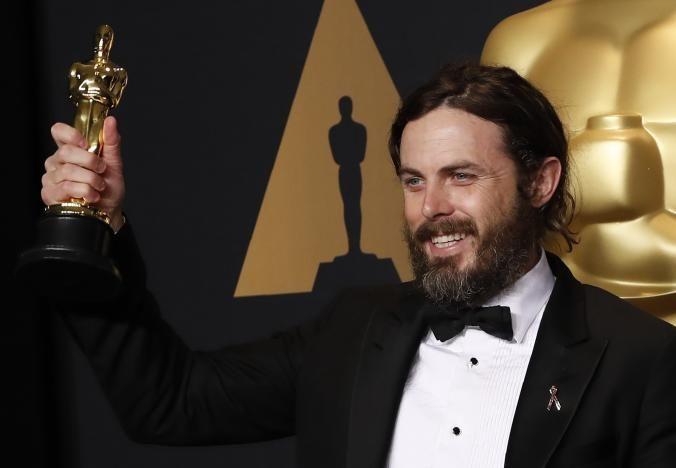 LOS ANGELES (Reuters) – O Vale do Silício marcou presença na maior premiação de Hollywood no domingo, quando a Amazon.com Ince a Netflix Incconquistaram os primeiros prêmios de serviços de streaming no Oscar, e...
