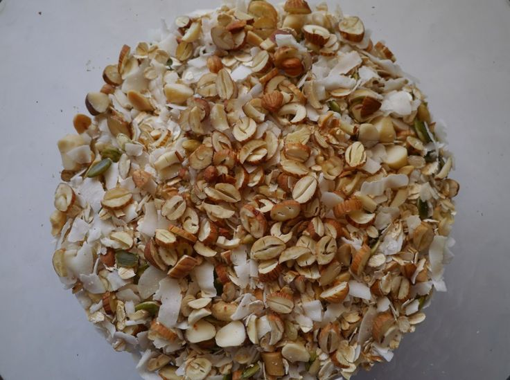 http://treadingmyownpath.com/2014/04/04/make-your-own-plastic-free-sugar-free-muesli/