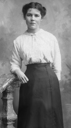 mid-1910s, high-waisted skirt and blouse