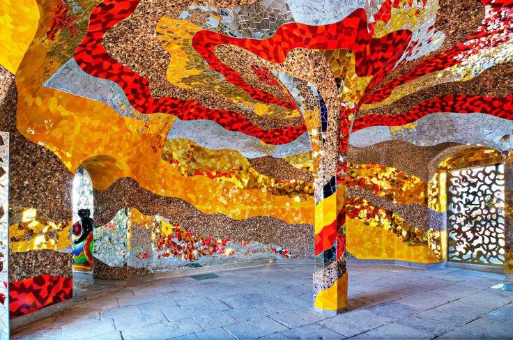 Grotte-Niki de Saint-Phalle