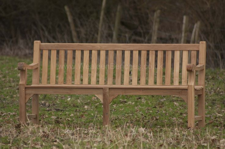 Our superb heavy 4 person Sandhurst Garden Bench looks attractive with its stylish scrolled front arms and central leg. Ideal for your own private garden or to place in town halls or perhaps at the seaside. It's perfect for resting tired feet or to just sit for a while and enjoying a view. Wood engraving, with your choice of script or images, or perhaps a brass plaque are available. You will receive this traditionally joined