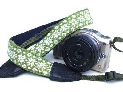 石垣島の雑貨屋さん「gruppo(グルッポ)」-手作り雑貨,紅型,みんさー,カメラストラップの店-:こぎん刺しの一眼レフ用のカメラストラップ、販売しました。