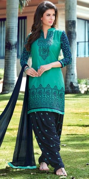 Adorning Green And Black Cotton Patiala Suit.