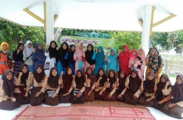 Muslimah HTI Jambi Ajak Remaja Tolak Aktivitas Valentine