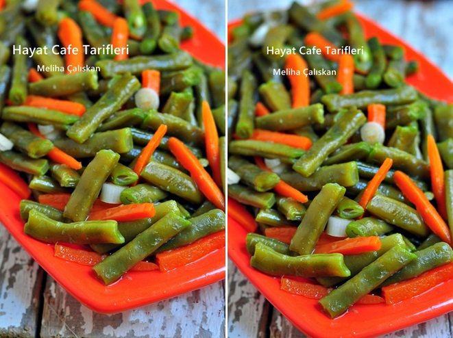 Taze Fasülye Salatası Nasıl Yapılır Yaz,kış çok sık yaptığım bir salatadır taze fasülye salatası... Tabii kışın,yazdan dolabıma atıp dondurduğum fasülyelerle yapıyorum:) Benim taze fasülyeyle ara...