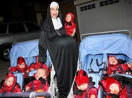 Suleman Octuplets Now | Az Oktomama Nadya Suleman terhes apácaként