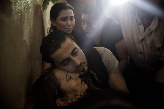 Nella provincia siriana di Latakia, una roccaforte del regime, un piccolo villaggio piange la perdita di un figlio, ucciso in un'imboscata al confine del paese.