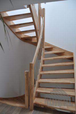 Holztreppe halbgewendelt – #halbgewendelt #Holztreppe #leiter