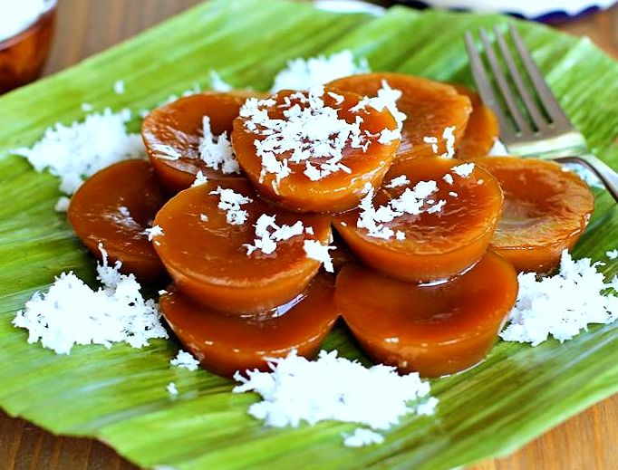 fast food and traditional filipino way Many traditional filipino restaurants such as bahay kubo present and offer  entrees in  is american-style fast-food with filipino-influenced dishes  specializing in.