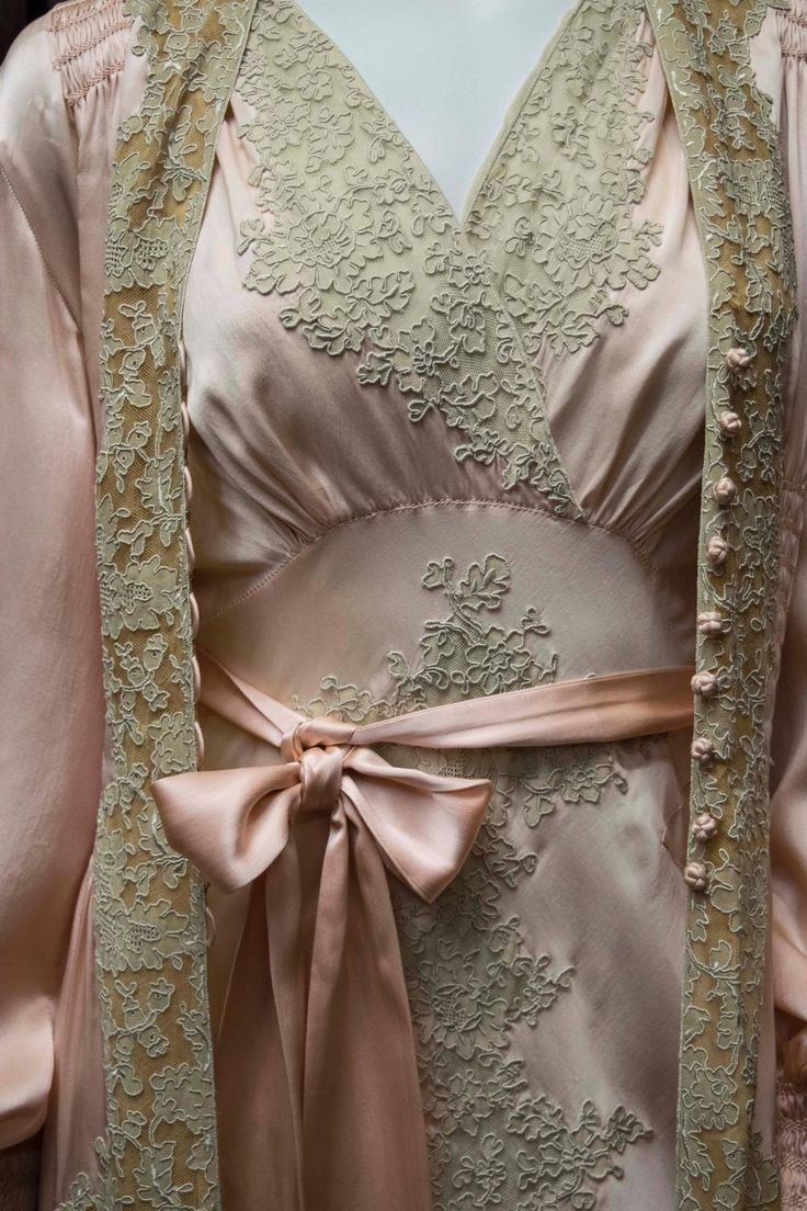1930s Two Piece Loungewear: Gown and Robe. Detail