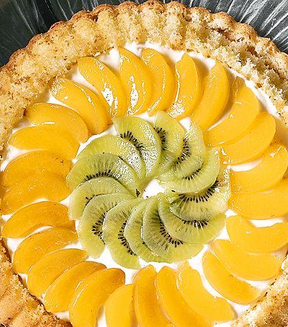 Frukttårta med kiwi och aprikos | Recept från Köket.se