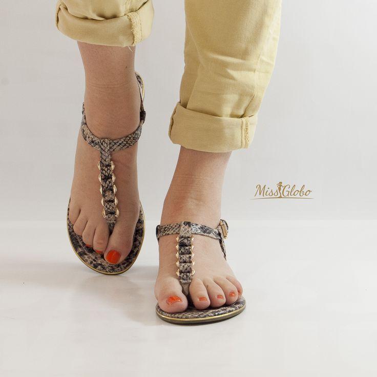 #missglobo woman shoes