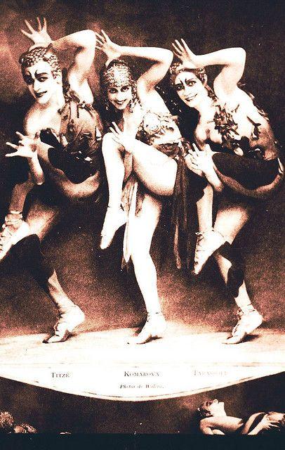 Folies Bergere 1920s