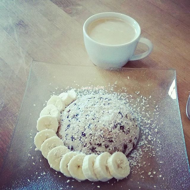 Bowl Cake Exotique au Lait de Coco La Mandorle.   Crédit photo : notre partenaire Instagram @beebulle_healthy
