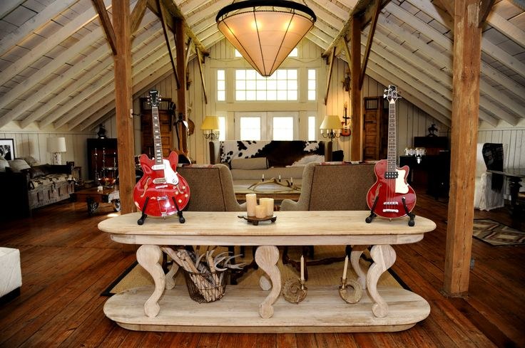 Top 10 Pimped Out Celebrity Mansions - YouTube