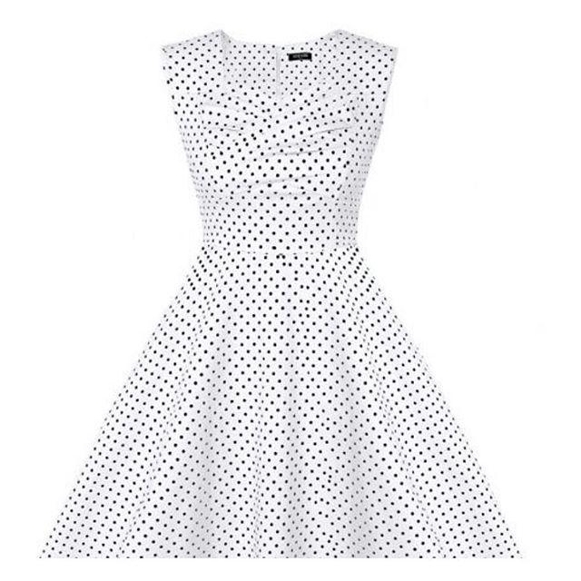 God morgen! Gjør lørdagen komplett med en polkamønstret sommerkjole. Kun kr.399,- se denne og flere flotte ting på vår nettbutikk www.grahamshop.no #graham.no #kjole #sommerklær #sommer #dress #fashion4all #mote #minmo #oslo #norway #instalikes #love