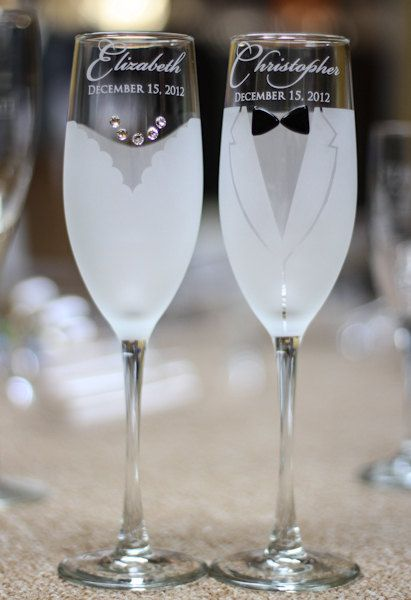 Personalized Wedding Gift - Toasting Glasses - Pair Bride and Groom Champagne Flutes with Swarovski Crystals - Custom Engraved Glasses
