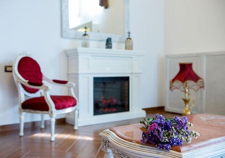 Living room with fireplace - Princess of Transylvania