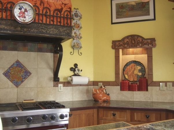 Now this is how you do a Disney Kitchen Makeover. Subtle yet DISNEY! FamilyTimeGetaways.com