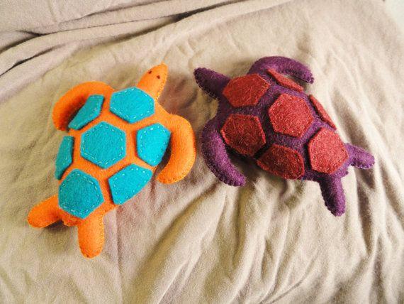 DIY Felt Sea Turtle Making Pattern felt animal felt by Leguanworld