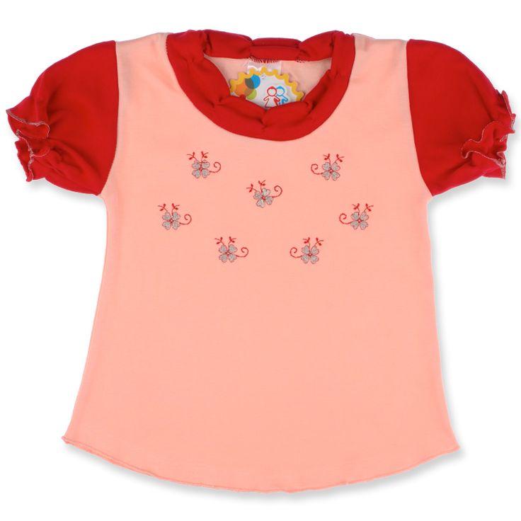 Am pregătit pentru fetița ta tricouri vesele și colorate. Alege culorile ei preferate și asortează tricourile cu pantaloni sau fuste, pentru o ținută chic.