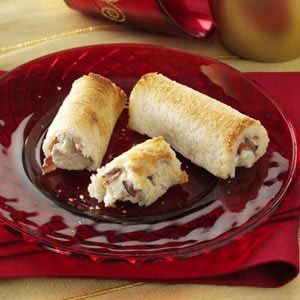 Bacon Mushroom Roll-Ups -Wrapped in toasted white bread, these creamy roll-ups pair the delectable flavors of bacon and mushrooms…with mouthwatering results.
