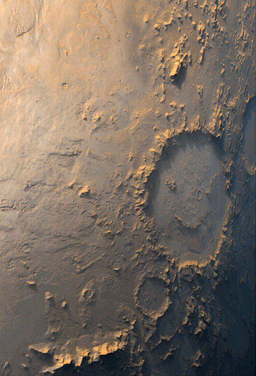 Vista del cráter Galle, el cráter de la cara de emoticon de Marte. No se debe confundir con el cráter Gale, lugar de aterrizaje del Curiosity. Publicado por: @planetforgium