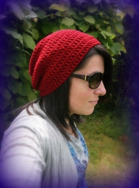 Bonnet slouch bordeaux fait main au crochet unique créateur Made in France : Chapeau, bonnet par c-comme-celine