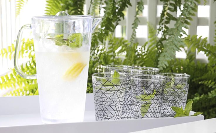 Lemonade in bzyoo tumblers with bzyoo tray and pitcher #decor #black #design #homedecor #drinks #bzyoo