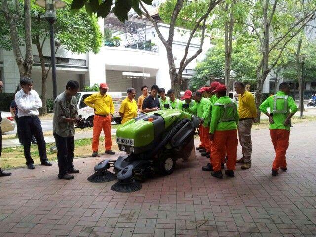 Barredora Tennant 414 en Singapur