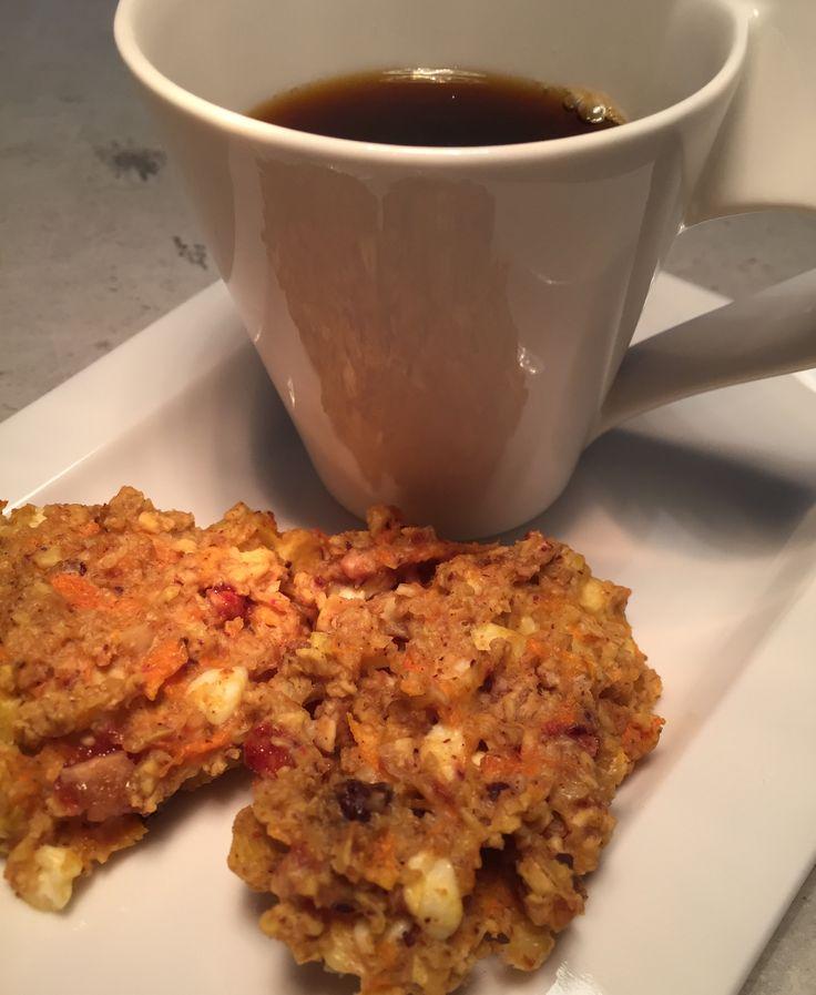 Supersunne kaffekaker. 1 egg, 1 gulrot, 1/2 eple, 3ss cottagecheese, 3ss youghurt naturell, 2 dl havregryn, 2 dl fibramel, hakkede nøtter, 1ss akasia honning, 1ss kanel... Prøv deg frem med fibramel.. deigen skal henge godt sammen.. 185 grader 12 min..