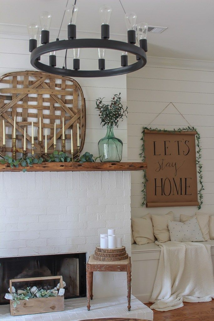 How to make a farmhouse scroll sign for less than $10. This is one of the easies...