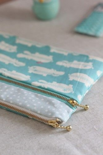 Double Zipped Pouch - Free Sewing Tutorial from Japanese Sewing Books at PatternPile.com #sewing