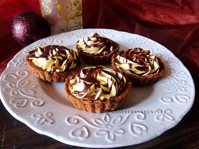 Raspberrybrunette: Jemné kakaovo-orechové košíčky