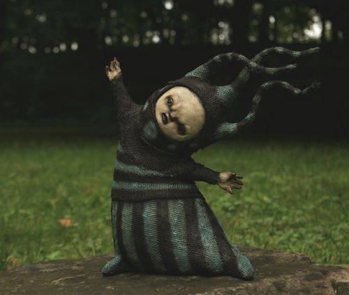Creepy Sculptures: The Dark and Bizarre Art of Scott Radke http://designwrld.com/creepy-sculptures-by-scott-radke/