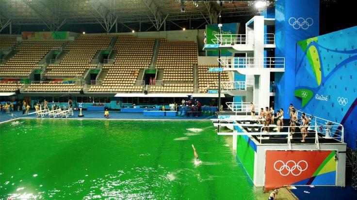 Grün statt blau! | Wasser-Rätsel im Olympia-Becken - Olympia 2016 - Bild.de