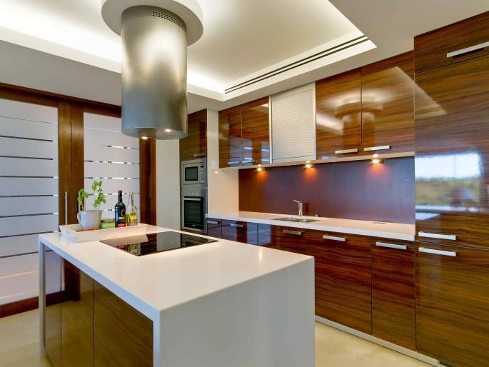Designer kitchen finished to the highest standards from Quinta do Lago, Portugal.