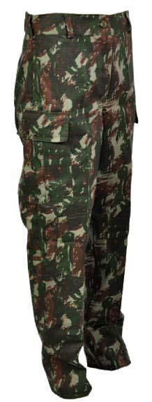 A Calça Tática Camuflada EB/Paintball/Airsoft/SWAT - 20% Off - Padrão RUE - Calças Swat com Bolsos + Reforços no joelho. Tecido Rip-Stop Profissional - Marca: CEDRO - 67% de poliéster e 33% de algodão. VANTAGENS: - PRATICIDADE, por permitir acondicionar vá