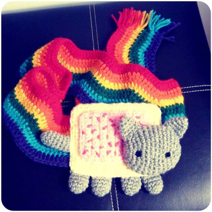 Nyan Cat Amigurumi Free Pattern : Nyan Cat scarf :D Bufanda Nyan Cat :D #cochet #amigurumi ...