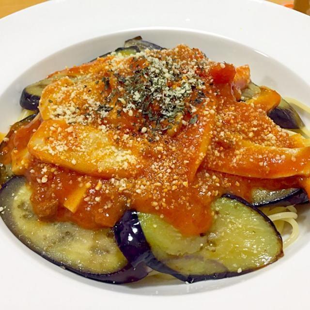 体調不良のアタシに代わり、 今日の夕ご飯は旦那ポンが作ってくれました*\(^o^)/*  めちゃんこ美味しかったぁ☆*:.。. o(≧▽≦)o .。.:*☆  アタシより料理上手くて凹む(。-_-。)← - 13件のもぐもぐ - 茄子とエリンギのミートスパ by KUMAPON99