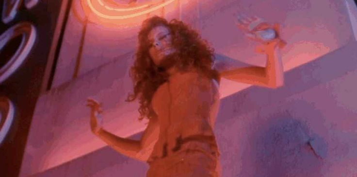 "Robyn Lively On The Spell ""Teen Witch"" Has Cast For 25 Years"