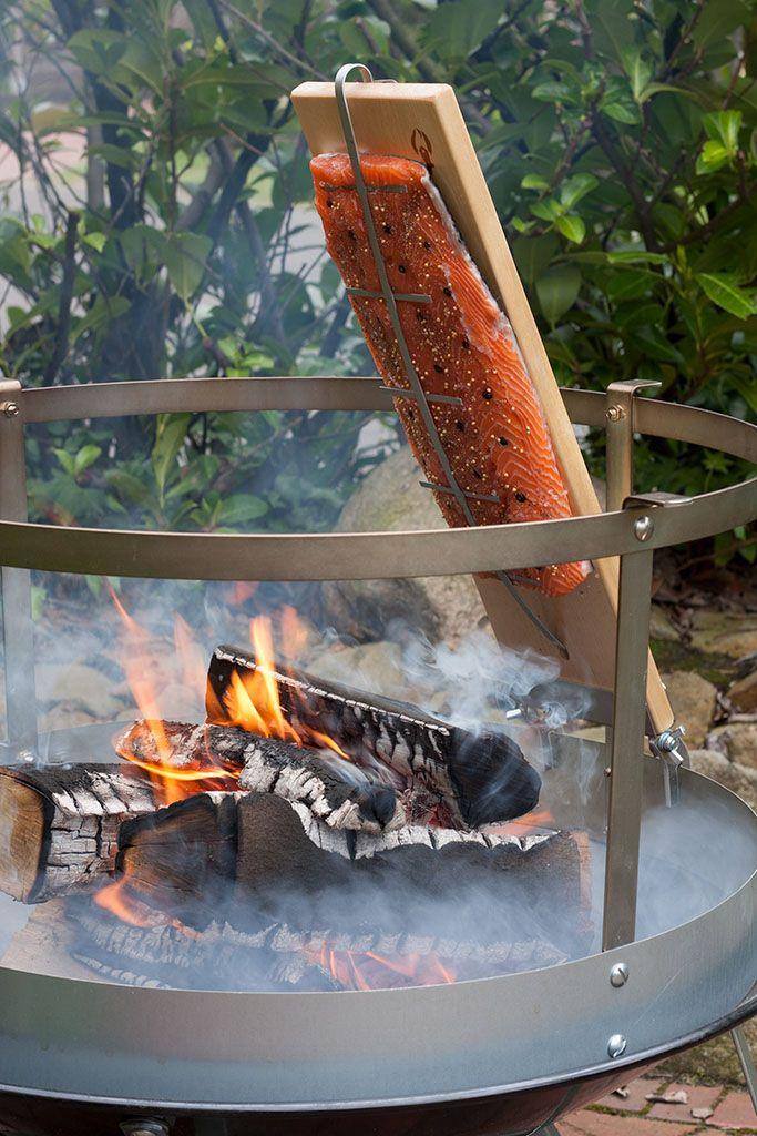 Am offenen Feuer gegarter Flammlachs