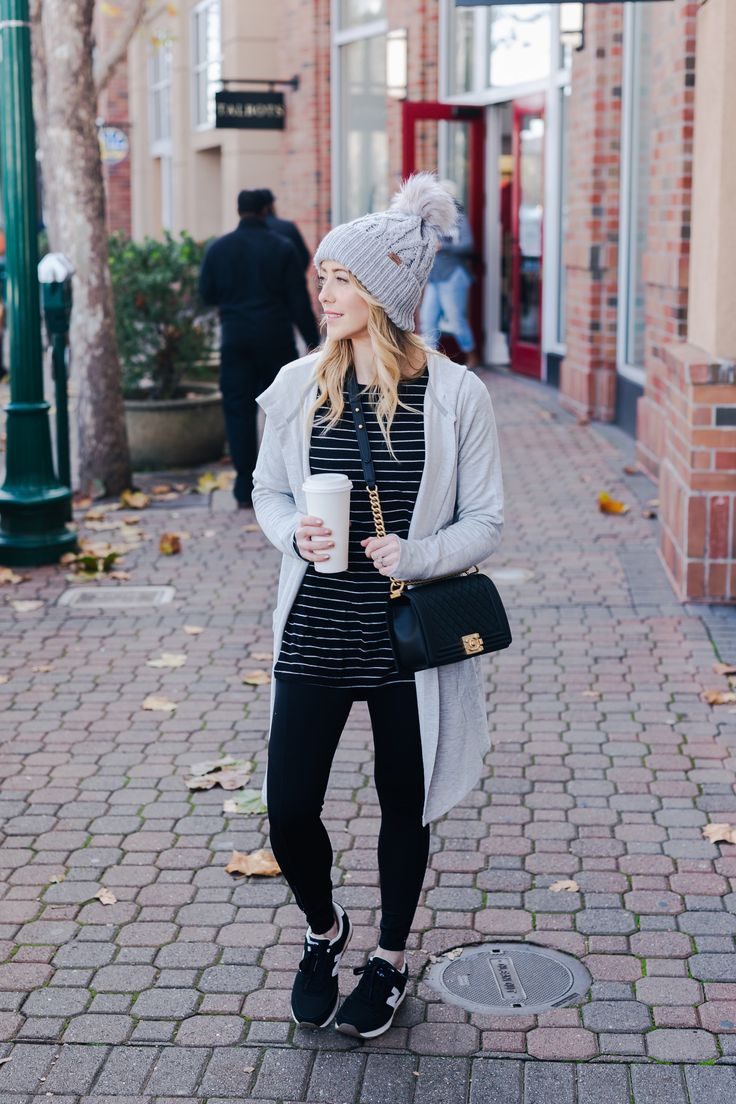 Looking for some Comfy Clothes? Popular San Francisco fashion blogger features a couple of outfits that are the comfiest.   #ad #comfystyle #comfyfashion #fashionblogger #styleblogger