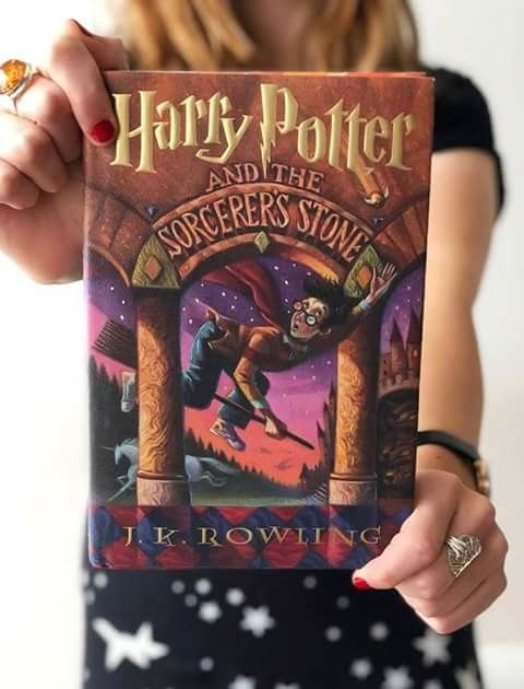Hy Birthday Harry Potter And The Sorcerer S Stone It Been 20 Years Since First Book Was Published In Us B