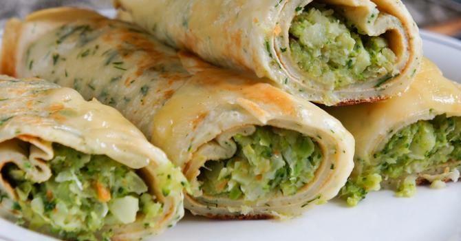 Recette de Crêpes de quinoa sans gluten persillées, fourrées au brocoli et fromage frais. Facile et rapide à réaliser, goûteuse et diététique.