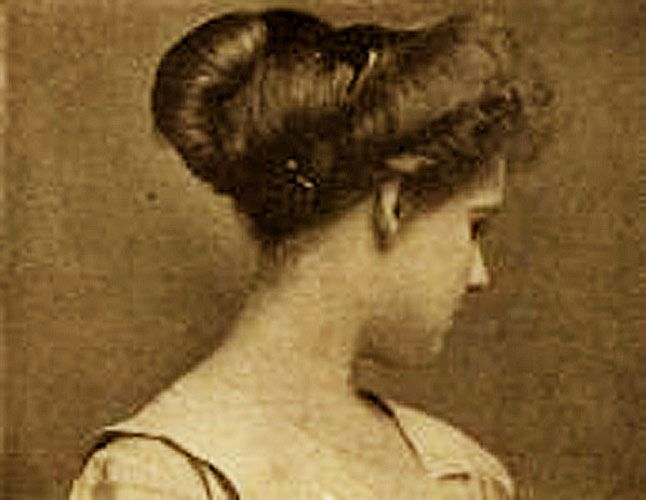 8 Simple Steps to an Edwardian hairstyle.